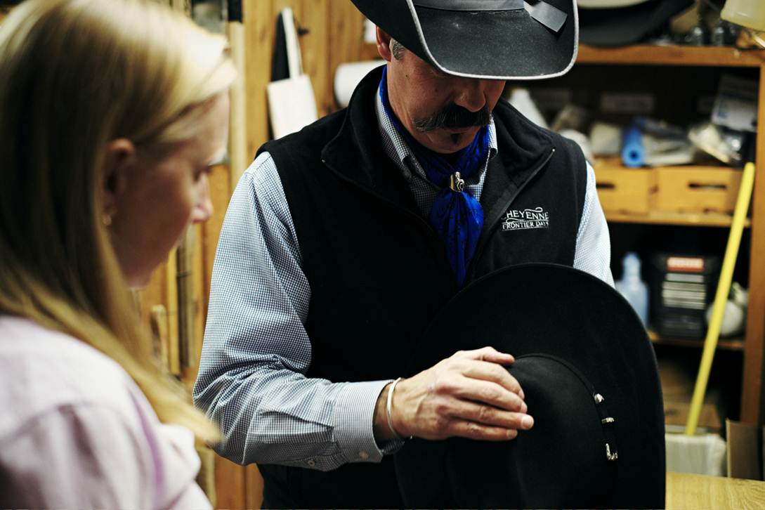 how to shape a cowboy hat   The Great Wide Open