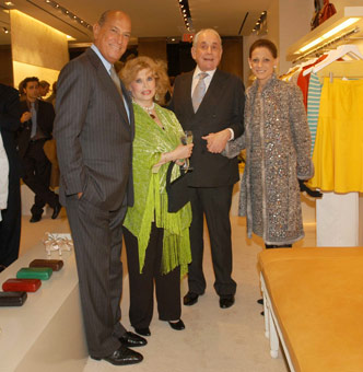 Oscar de la Renta (left) with KJL and Annette de la Renta (far right). Photo courtesy of New York Social Diary