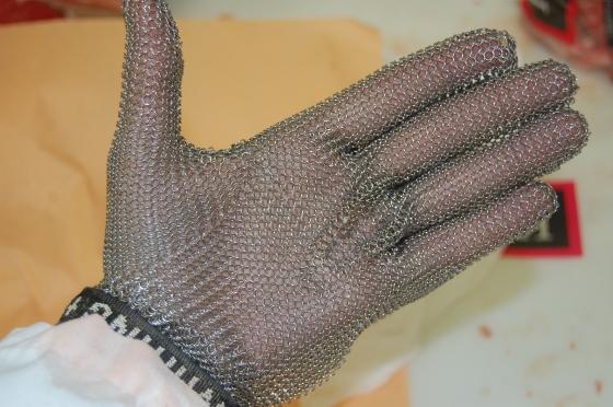 My protective mesh glove